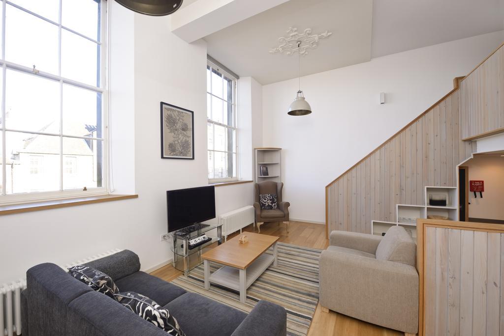Edinburgh-Luxury-Accommodation---Broughton-Street-Apartments-Near-Omni-Centre---Urban-Stay-14