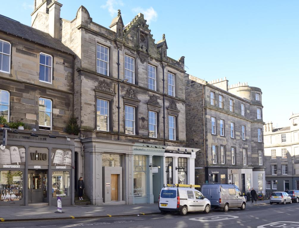 Edinburgh-Luxury-Accommodation---Broughton-Street-Apartments-Near-Omni-Centre---Urban-Stay-15