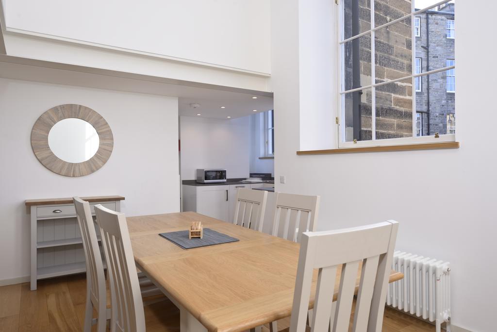 Edinburgh-Luxury-Accommodation---Broughton-Street-Apartments-Near-Omni-Centre---Urban-Stay-19