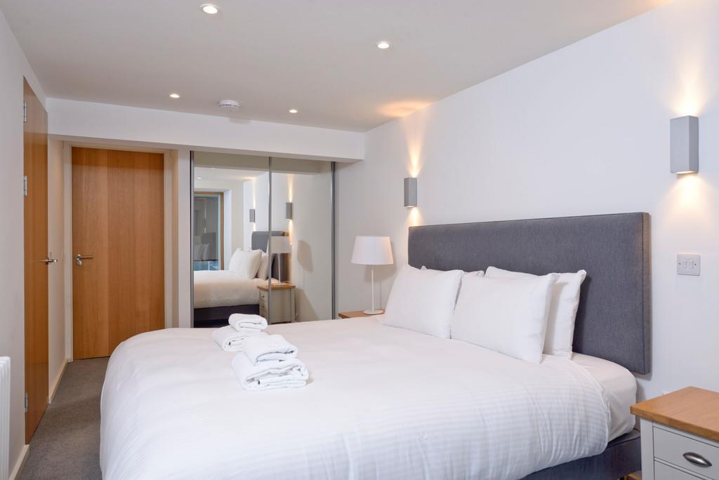 Edinburgh-Luxury-Accommodation---Broughton-Street-Apartments-Near-Omni-Centre---Urban-Stay-2