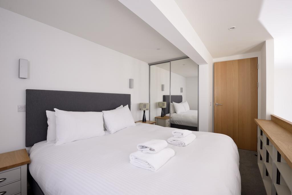 Edinburgh-Luxury-Accommodation---Broughton-Street-Apartments-Near-Omni-Centre---Urban-Stay-21