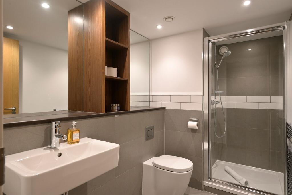 Edinburgh-Luxury-Accommodation---Broughton-Street-Apartments-Near-Omni-Centre---Urban-Stay-4