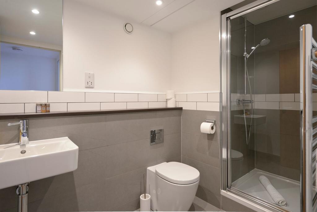 Edinburgh-Luxury-Accommodation---Broughton-Street-Apartments-Near-Omni-Centre---Urban-Stay-7