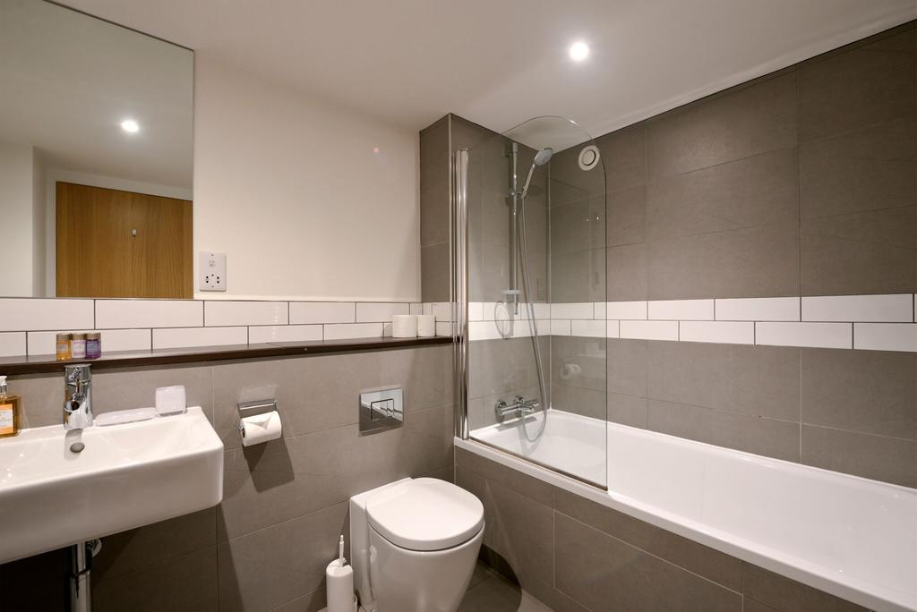 Edinburgh-Luxury-Accommodation---Broughton-Street-Apartments-Near-Omni-Centre---Urban-Stay-8