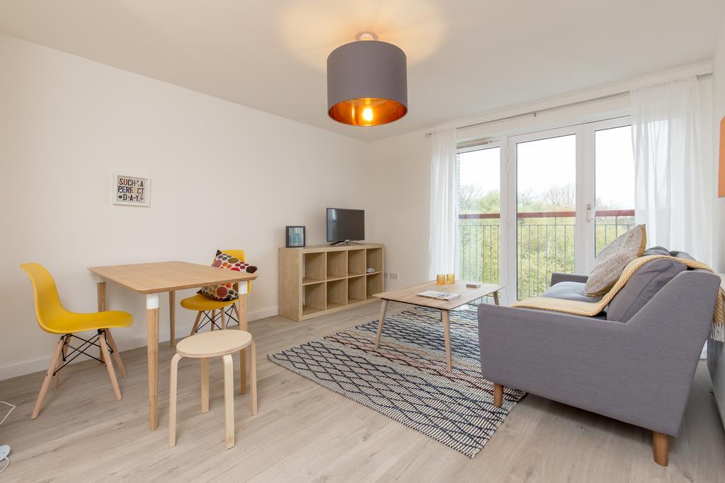 Edinburgh-Luxury-Accommodation---Duff-Street-Apartments-Near-Murrayfield-Stadium---Urban-Stay-1