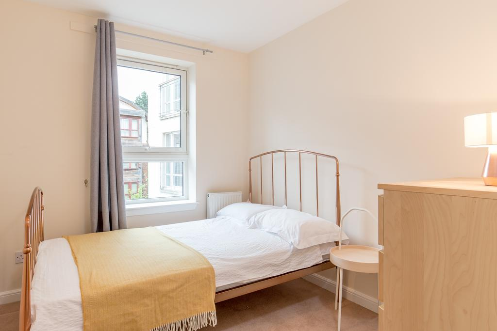 Edinburgh-Luxury-Accommodation---Duff-Street-Apartments-Near-Murrayfield-Stadium---Urban-Stay-10