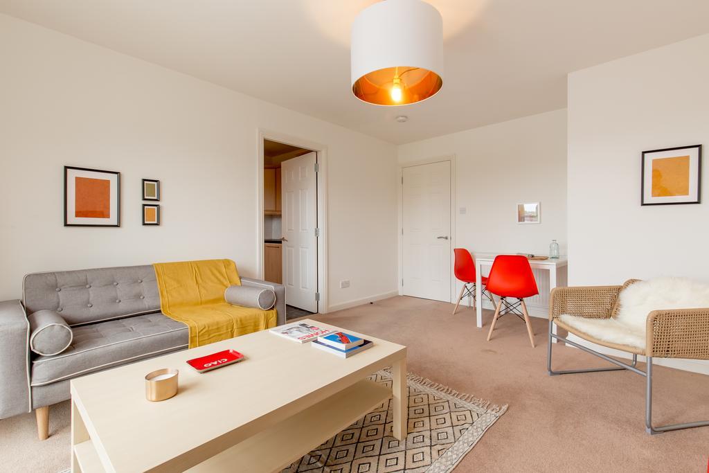 Edinburgh-Luxury-Accommodation---Duff-Street-Apartments-Near-Murrayfield-Stadium---Urban-Stay-11