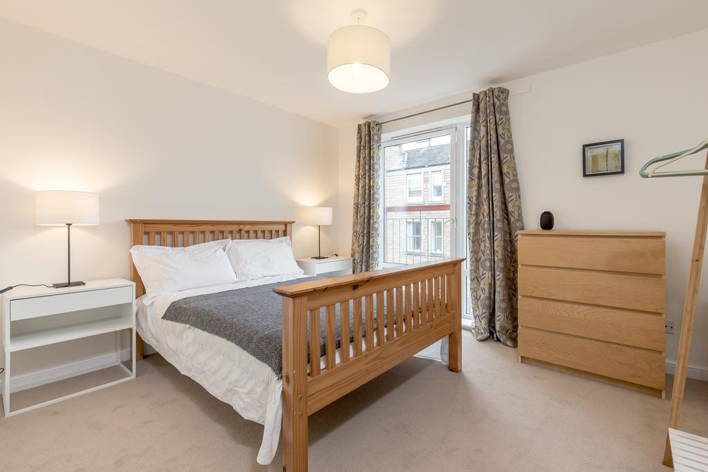 Edinburgh-Luxury-Accommodation---Duff-Street-Apartments-Near-Murrayfield-Stadium---Urban-Stay-13
