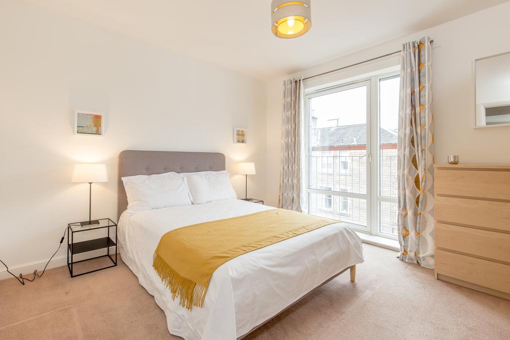 Edinburgh-Luxury-Accommodation---Duff-Street-Apartments-Near-Murrayfield-Stadium---Urban-Stay-3