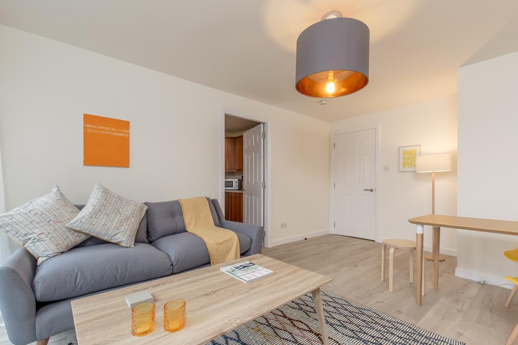 Edinburgh-Luxury-Accommodation---Duff-Street-Apartments-Near-Murrayfield-Stadium---Urban-Stay-9
