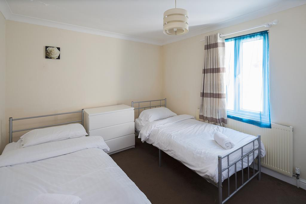 Gillingham-Corporate-Accommodation-Welcoming-Flat-Apartments-Canterbury-Street-Urban-Stay-5