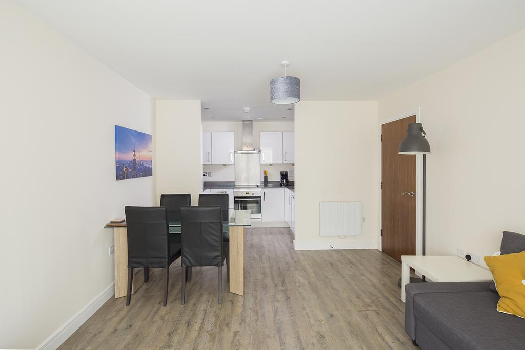 Gillingham-Serviced-Accommodation---The-Pier-Apartments---Pearl-Lane---Urban-Stay-14