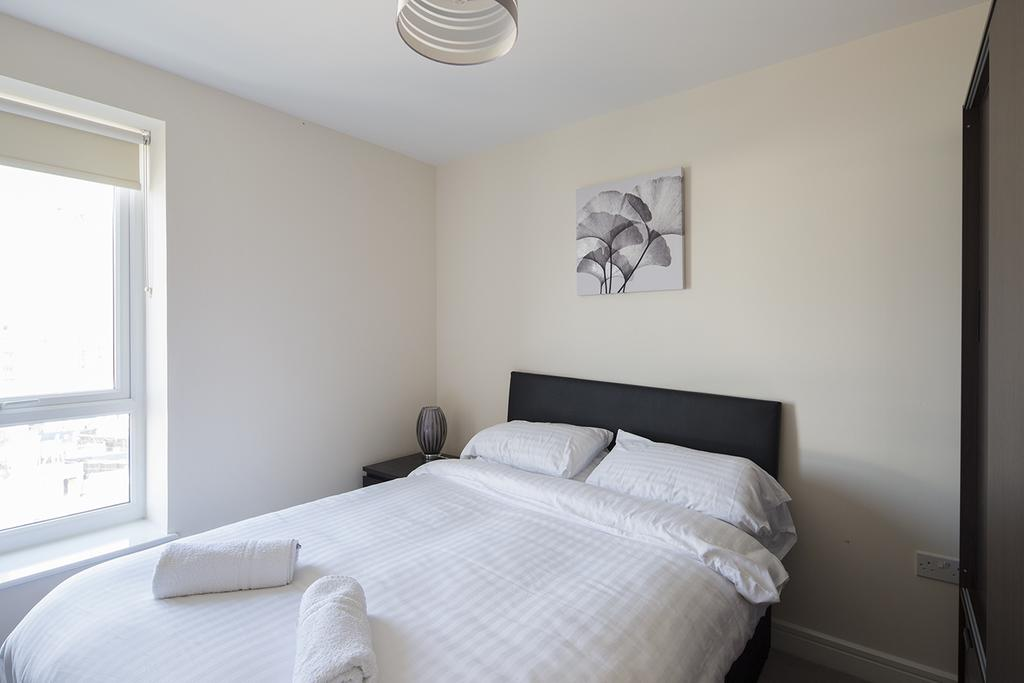 Gillingham-Serviced-Accommodation---The-Pier-Apartments---Pearl-Lane---Urban-Stay-15