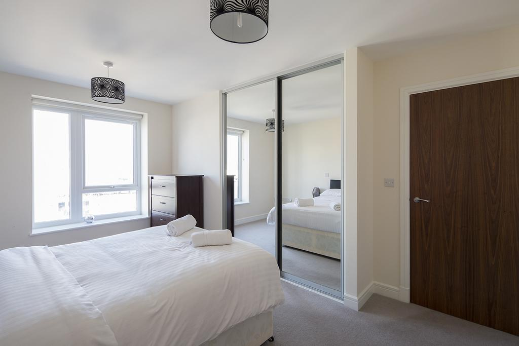 Gillingham-Serviced-Accommodation---The-Pier-Apartments---Pearl-Lane---Urban-Stay-17