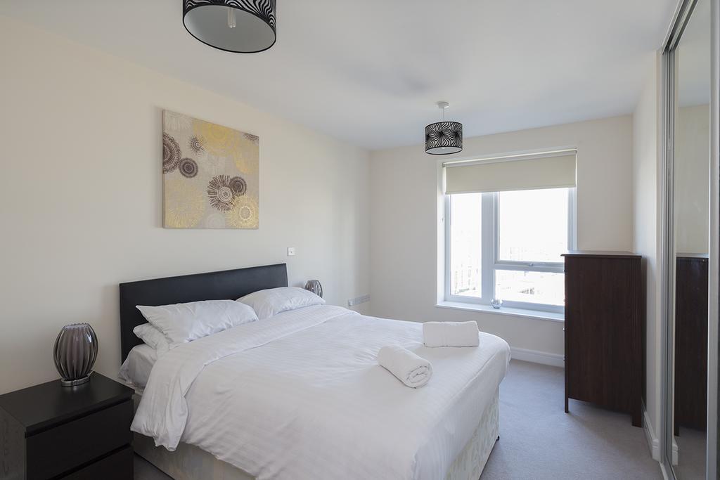 Gillingham-Serviced-Accommodation---The-Pier-Apartments---Pearl-Lane---Urban-Stay-18