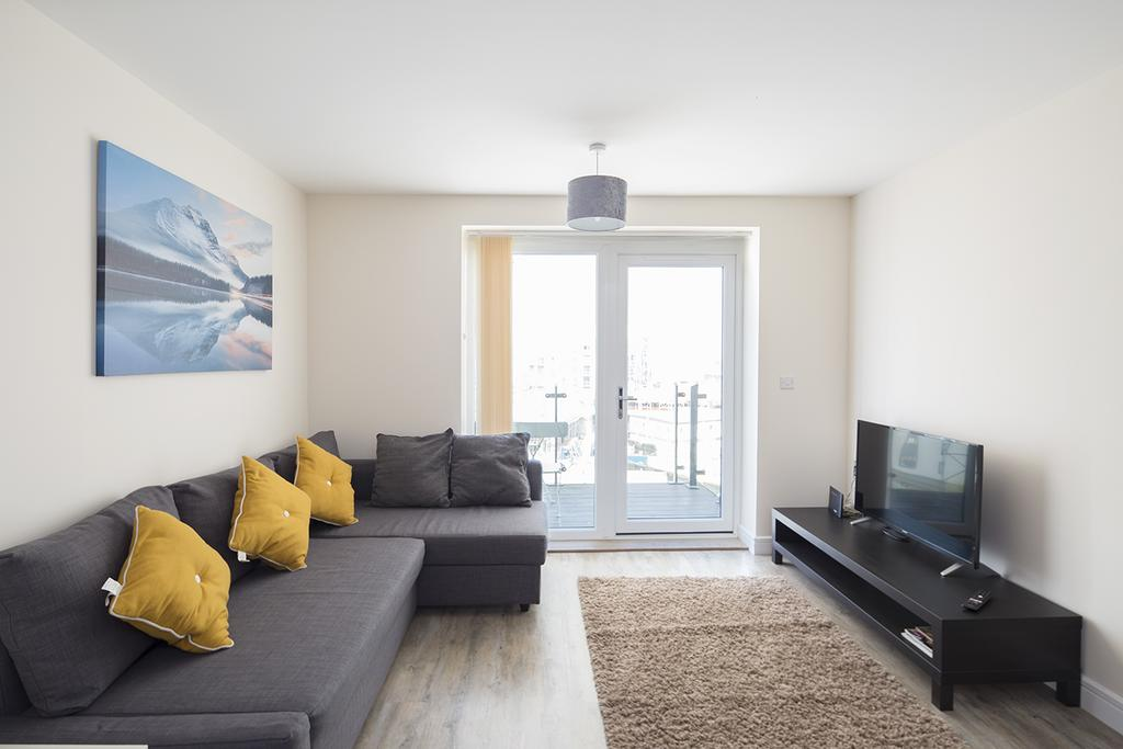 Gillingham-Serviced-Accommodation---The-Pier-Apartments---Pearl-Lane---Urban-Stay-20