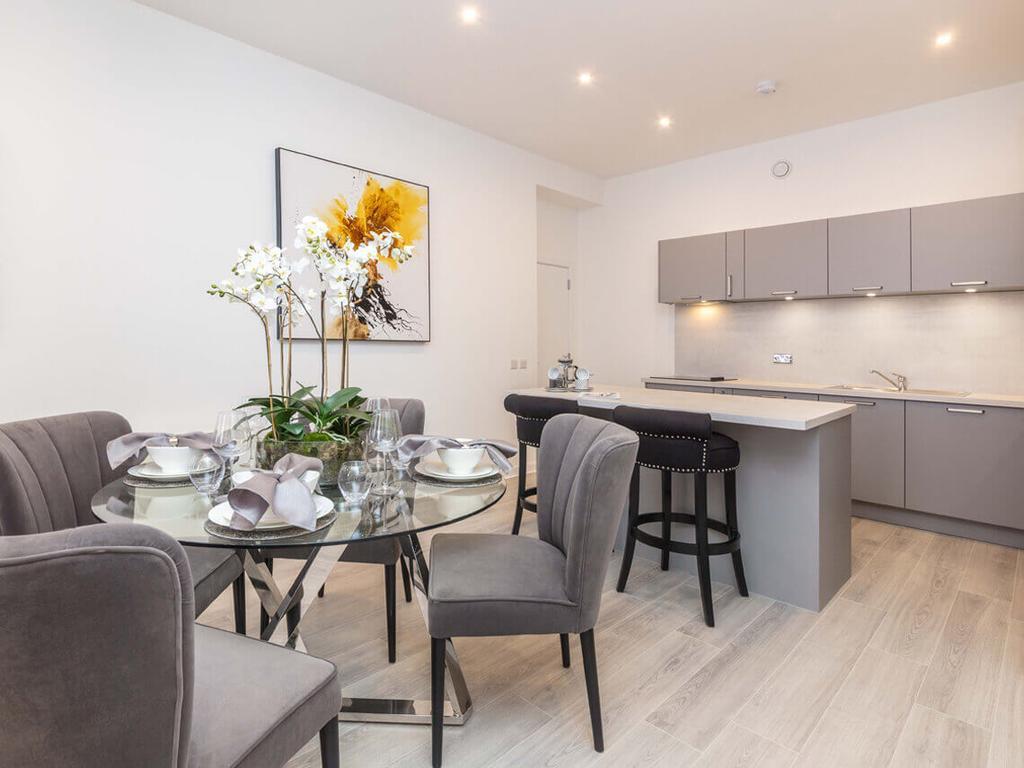 Glasgow-Cheap-Accommodation---Candleriggs-Court-Apartments-Near-Buchanan-Galleries---Urban-Stay-1