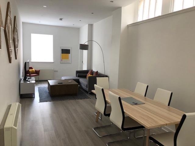 Glasgow-Cheap-Accommodation---Candleriggs-Court-Apartments-Near-Buchanan-Galleries---Urban-Stay-9