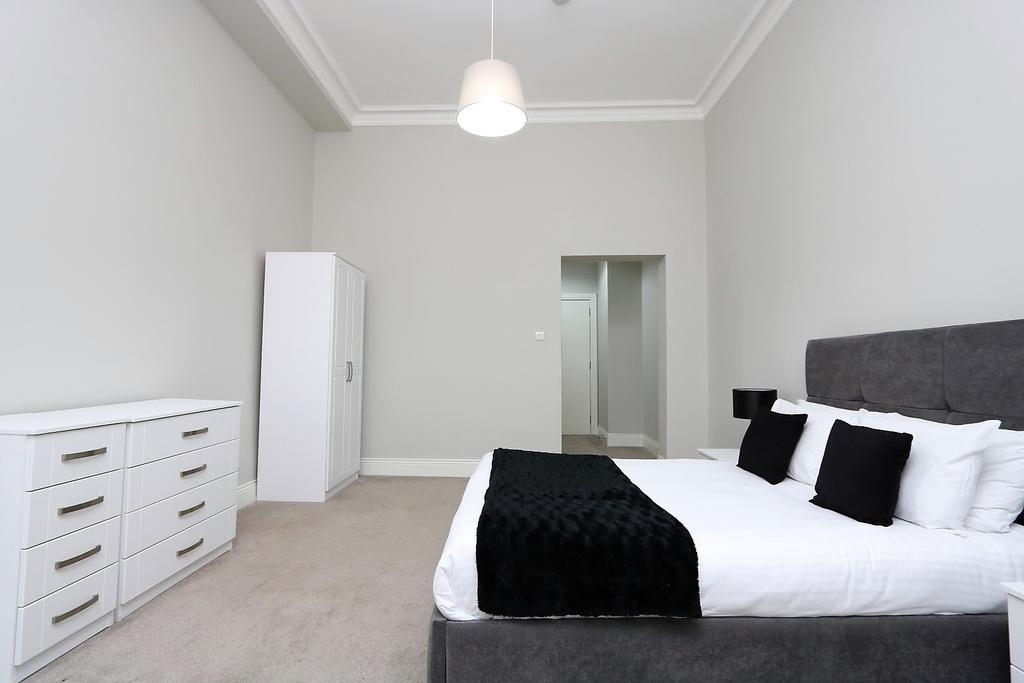 Glasgow-Luxury-Accommodation---Vincent-Street-Apartments-Near-Royal-Concert-Hall---Urban-Stay-1