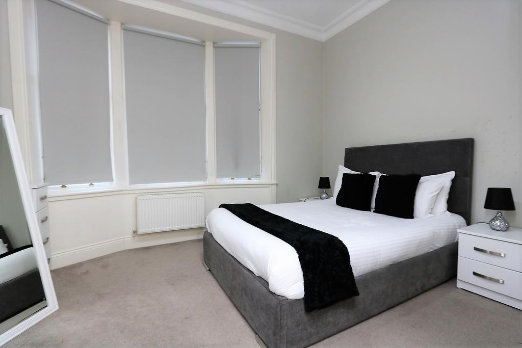 Glasgow-Luxury-Accommodation---Vincent-Street-Apartments-Near-Royal-Concert-Hall---Urban-Stay-10