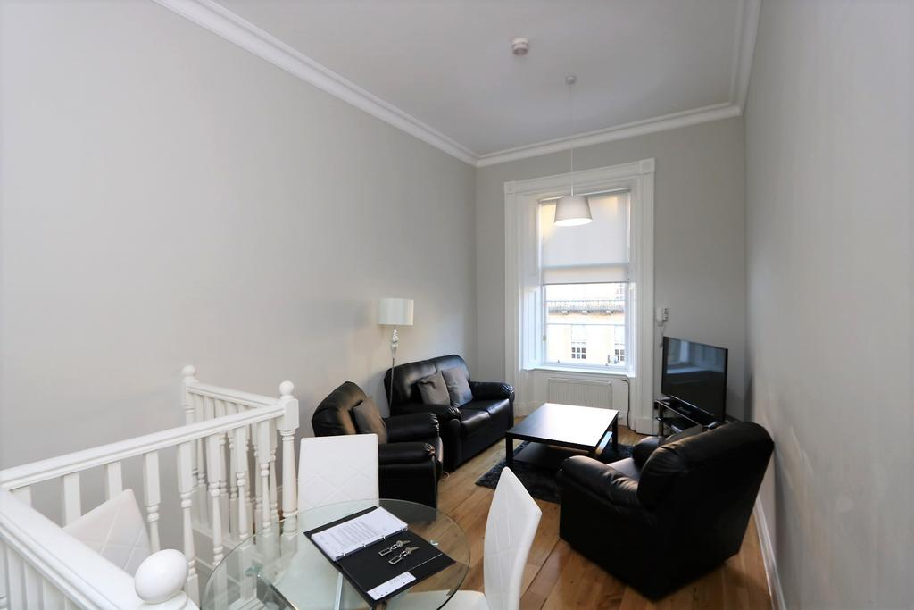 Glasgow-Luxury-Accommodation---Vincent-Street-Apartments-Near-Royal-Concert-Hall---Urban-Stay-6
