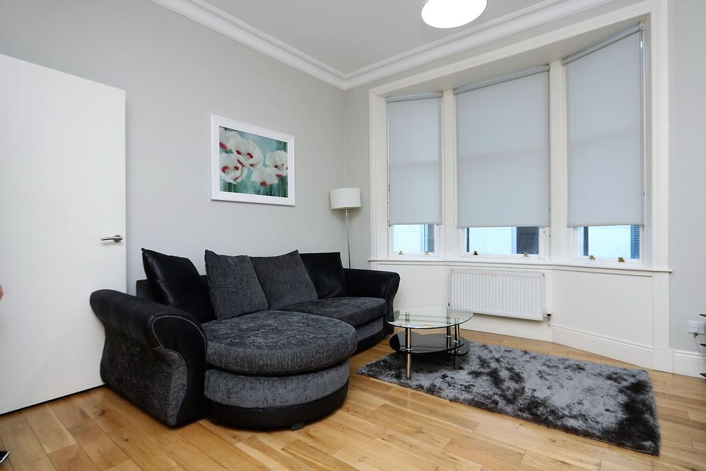 Glasgow-Luxury-Accommodation---Vincent-Street-Apartments-Near-Royal-Concert-Hall---Urban-Stay-7