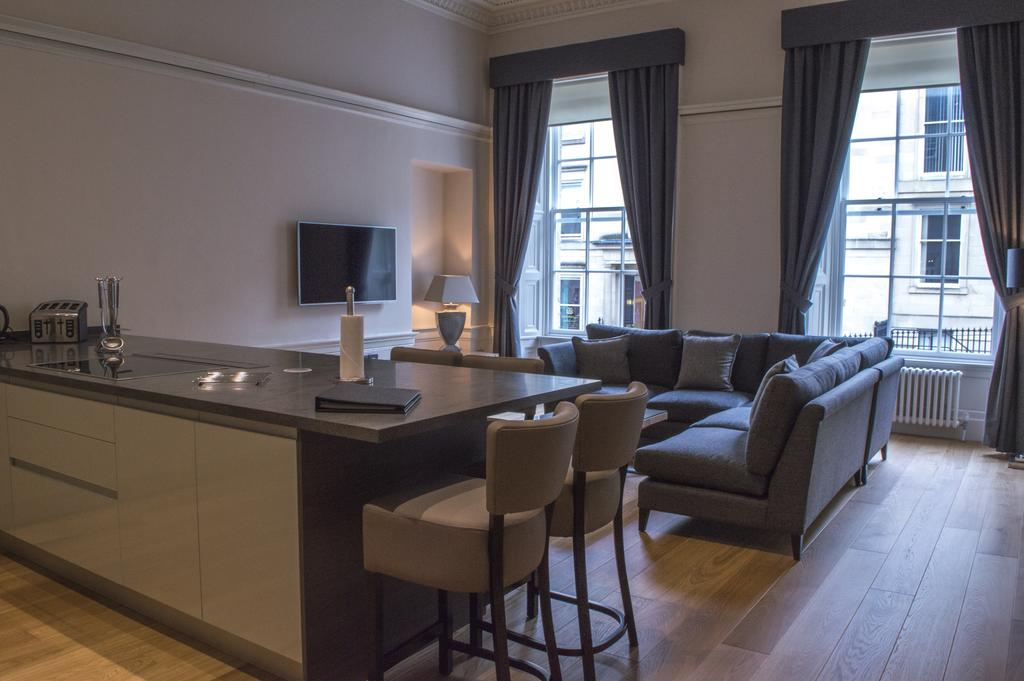 Glasgow-Luxury-Apartments---Blythswood-Glasgow-Apartments-Near-Royal-Concert-Hall---Urban-Stay-1