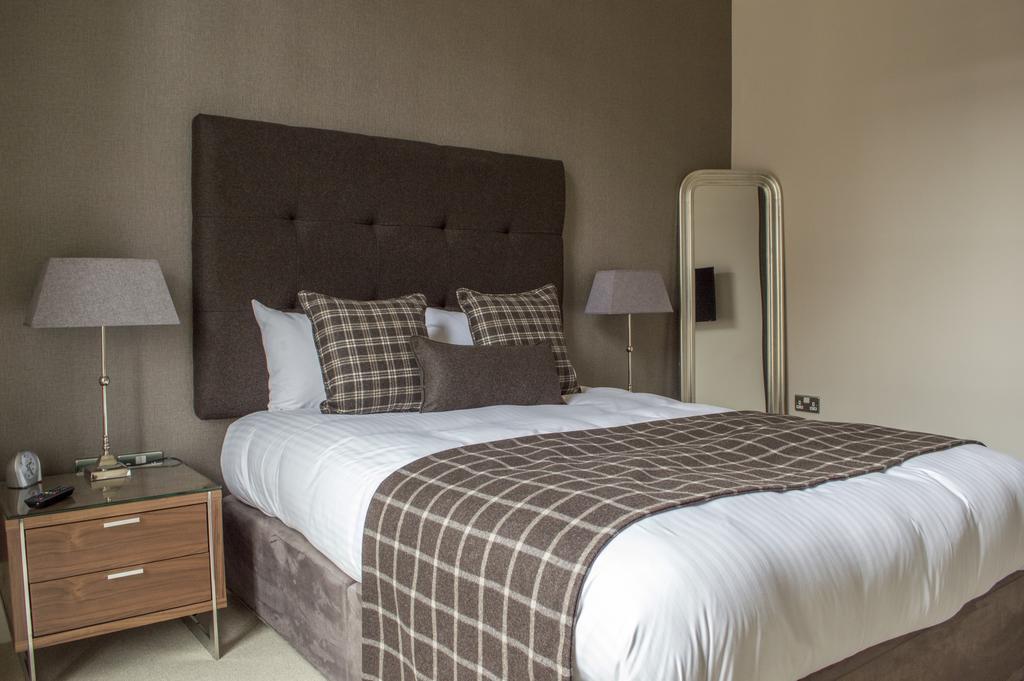 Glasgow-Luxury-Apartments---Blythswood-Glasgow-Apartments-Near-Royal-Concert-Hall---Urban-Stay-11