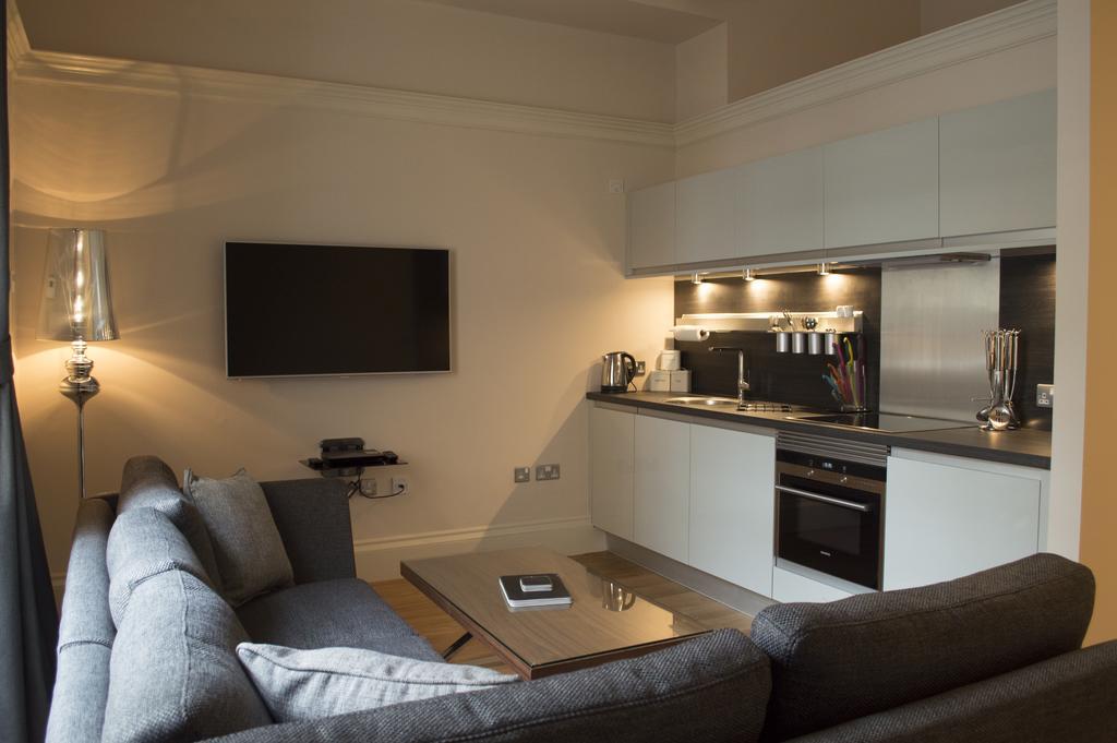 Glasgow-Luxury-Apartments---Blythswood-Glasgow-Apartments-Near-Royal-Concert-Hall---Urban-Stay-6