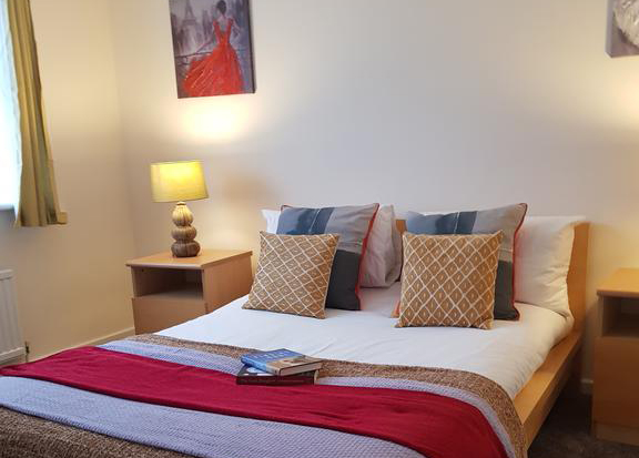 Houghton-Regis-Serviced-Apartments---Brentwood-Apartments-Brentwood-Close-Urban-Stay-11
