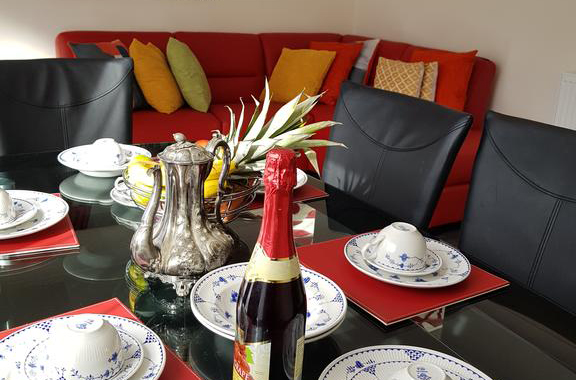 Houghton-Regis-Serviced-Apartments---Brentwood-Apartments-Brentwood-Close-Urban-Stay-1