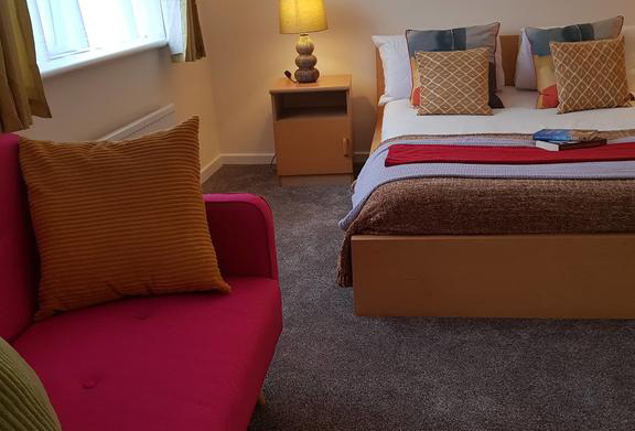 Houghton-Regis-Serviced-Apartments---Brentwood-Apartments-Brentwood-Close-Urban-Stay-5
