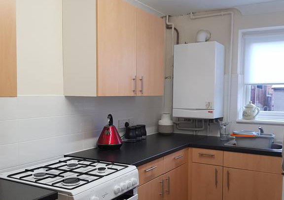 Houghton-Regis-Serviced-Apartments---Brentwood-Apartments-Brentwood-Close-Urban-Stay-6