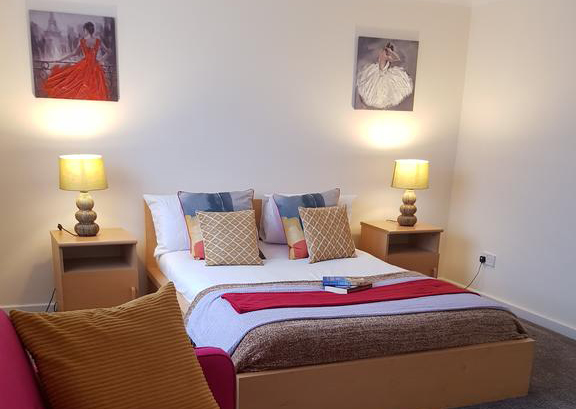 Houghton-Regis-Serviced-Apartments---Brentwood-Apartments-Brentwood-Close-Urban-Stay-9