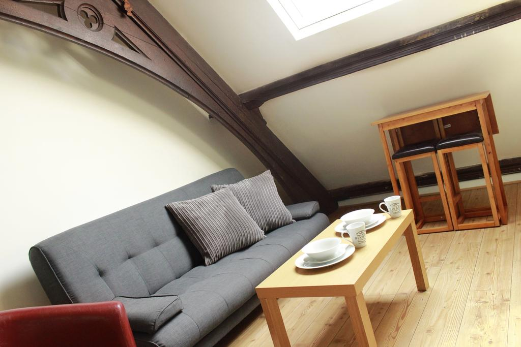Hull-Corporate-Apartments--James-Reckitt-Library-Apartments-Near-Hull-New-Theatre---Urban-Stay-3