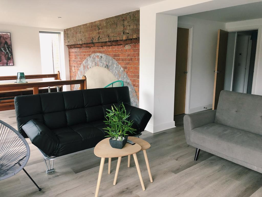Hull-Serviced-Accommodation---Winding-House-Apartments-Plimsoll-Way---Urban-Stay-1