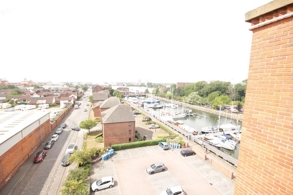 Hull-Serviced-Apartments---Marina-Humber-View-Apartments---Kingston-Street-East-Yorkshire---Urban-Stay-9