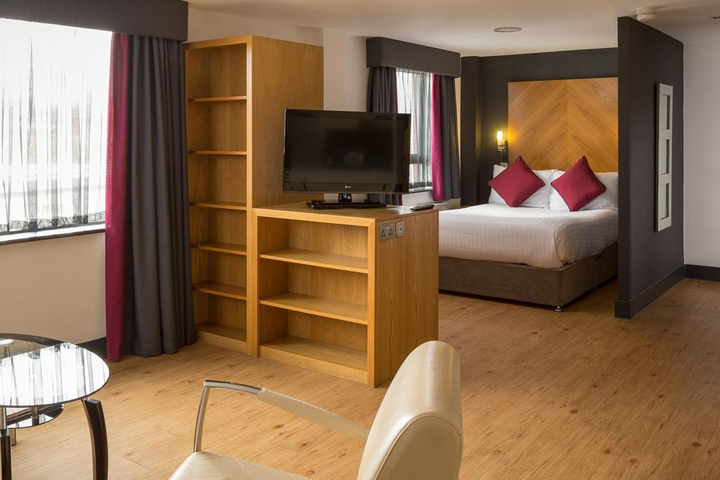 Leeds-Luxury-Accommodation---Leeds-City-West-Apartments-Near-Roundhay-Park---Urban-Stay-11