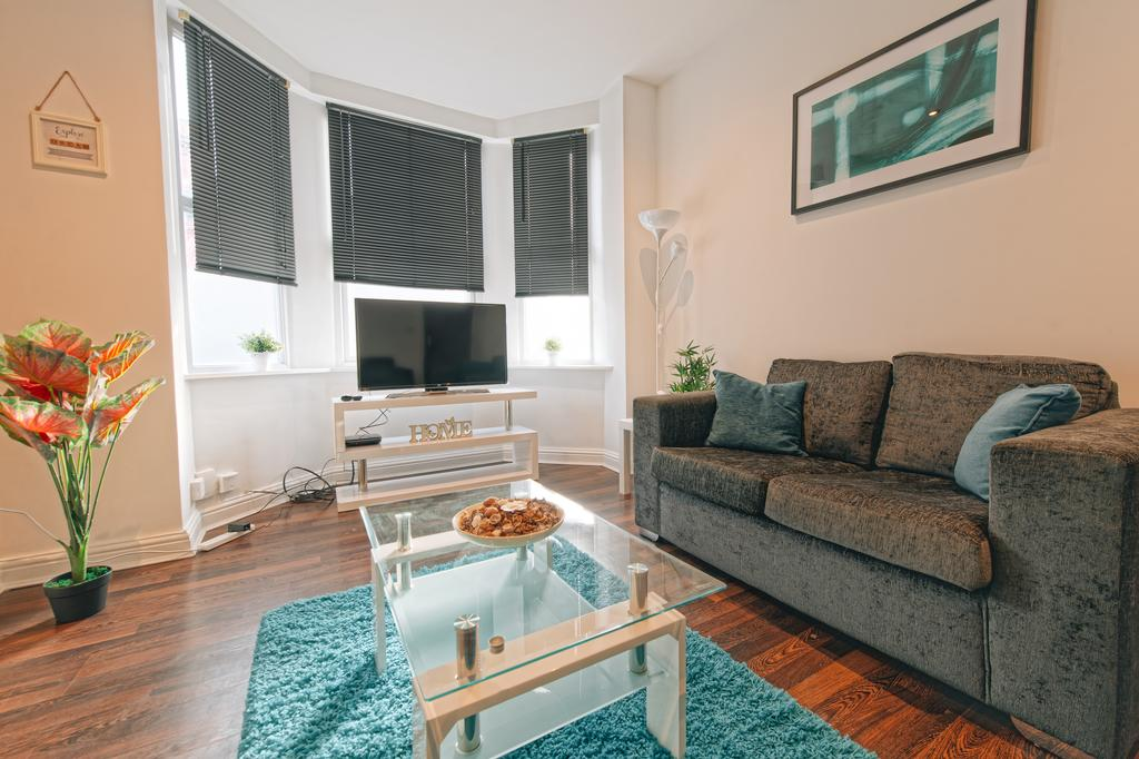Leeds-Serviced-Apartments---St-James-House-Accommodation---Elford-Grove---Urban-Stay-3