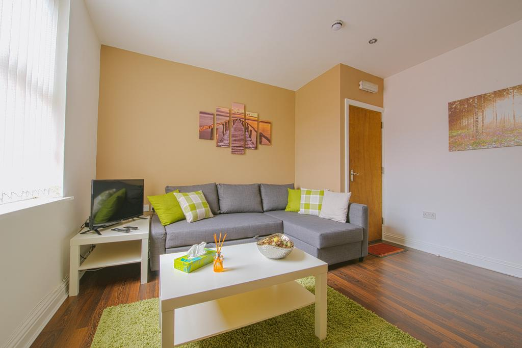 Leeds-Serviced-Apartments---St-James-House-Accommodation---Elford-Grove---Urban-Stay