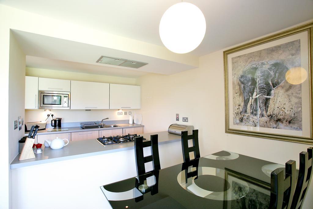 Luxury-Accommodation-Aberdeen---Burnside-Drive-Apartments-Near-Aberdeen-Airport---Urban-Stay-11