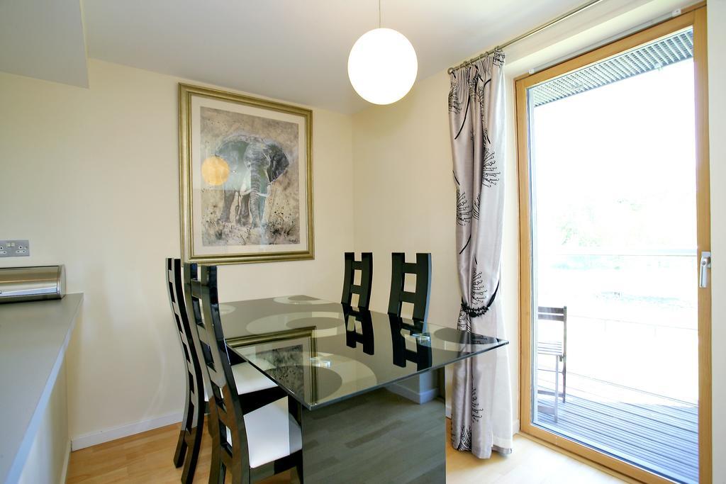 Luxury-Accommodation-Aberdeen---Burnside-Drive-Apartments-Near-Aberdeen-Airport---Urban-Stay-14