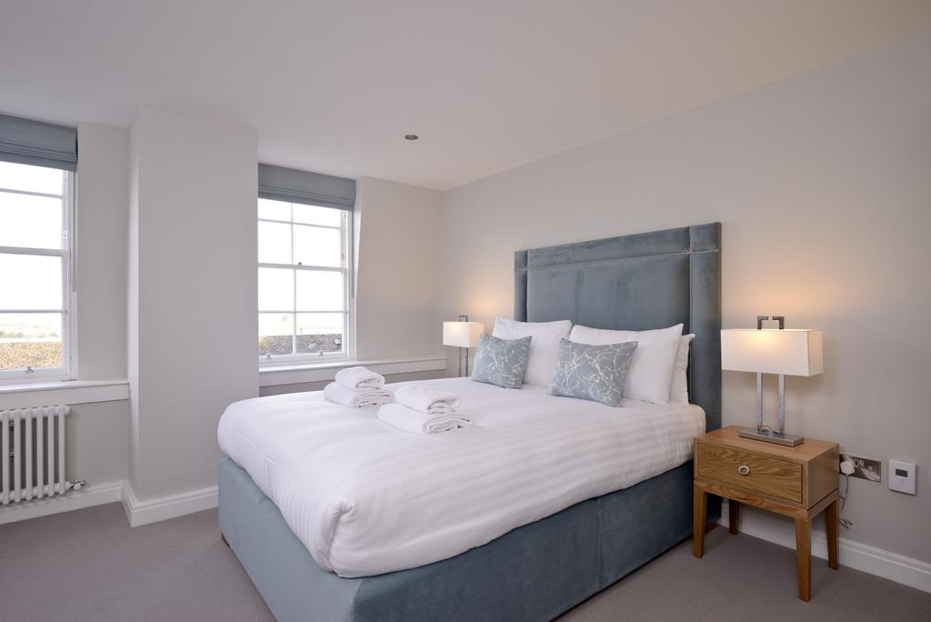 Luxury-Accommodation-Edinburgh---New-Town-Apartments--Thistle-Street---Urban-Stay-10