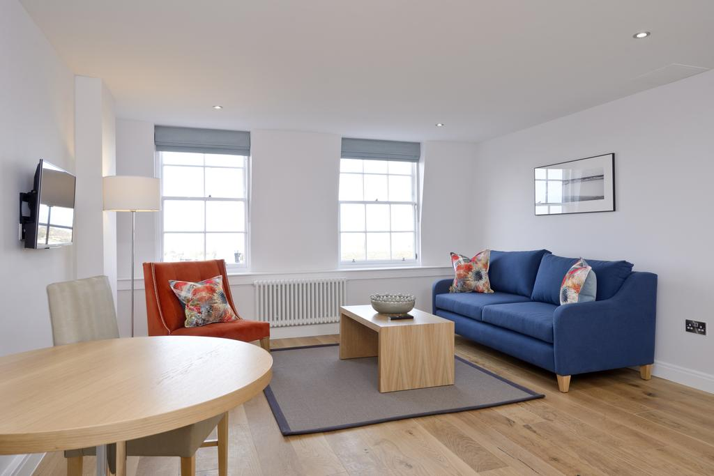 Luxury-Accommodation-Edinburgh---New-Town-Apartments--Thistle-Street---Urban-Stay-11