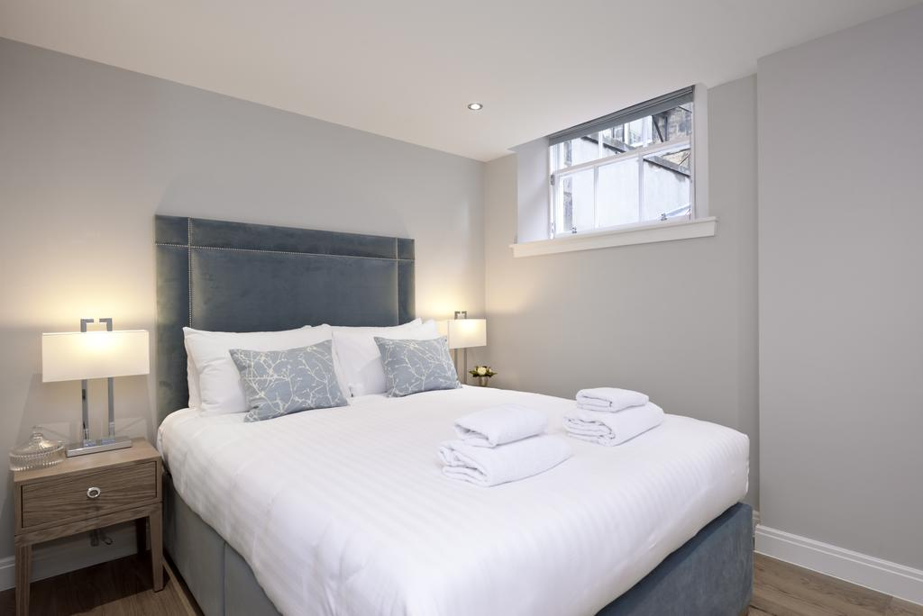 Luxury-Accommodation-Edinburgh---New-Town-Apartments--Thistle-Street---Urban-Stay-12