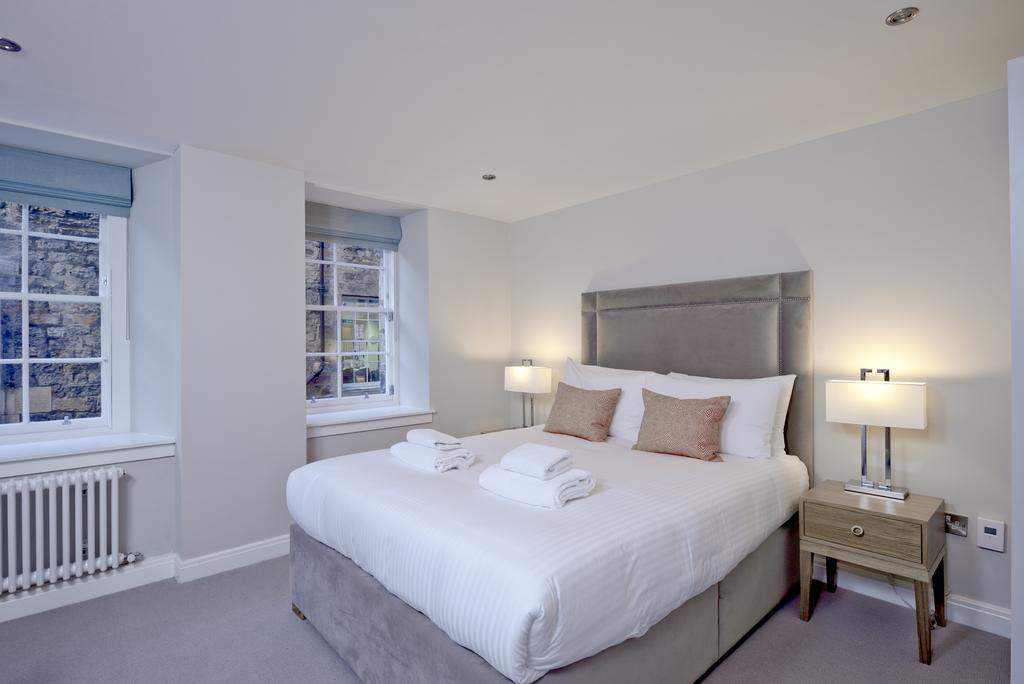 Luxury-Accommodation-Edinburgh---New-Town-Apartments--Thistle-Street---Urban-Stay-15