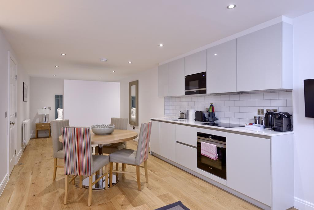 Luxury-Accommodation-Edinburgh---New-Town-Apartments--Thistle-Street---Urban-Stay-16