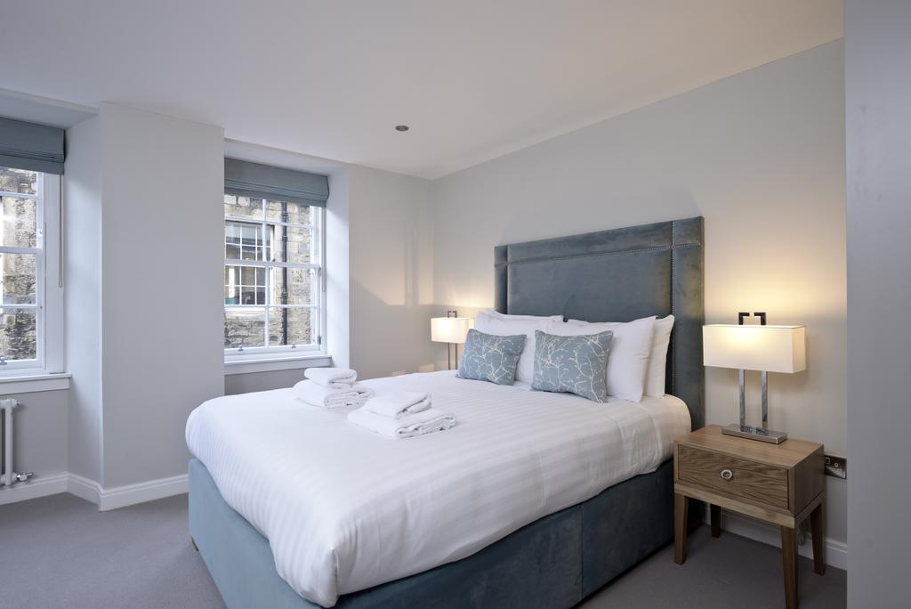 Luxury-Accommodation-Edinburgh---New-Town-Apartments--Thistle-Street---Urban-Stay-4
