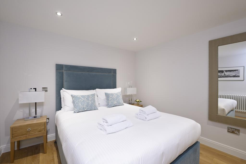 Luxury-Accommodation-Edinburgh---New-Town-Apartments--Thistle-Street---Urban-Stay-7