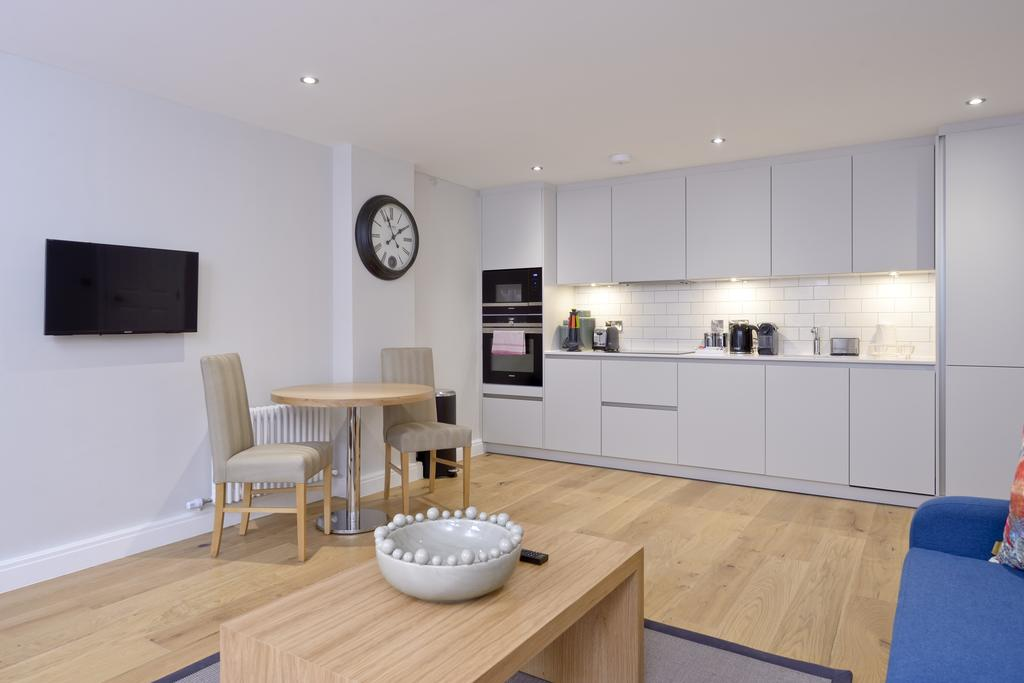 Luxury-Accommodation-Edinburgh---New-Town-Apartments--Thistle-Street---Urban-Stay-9